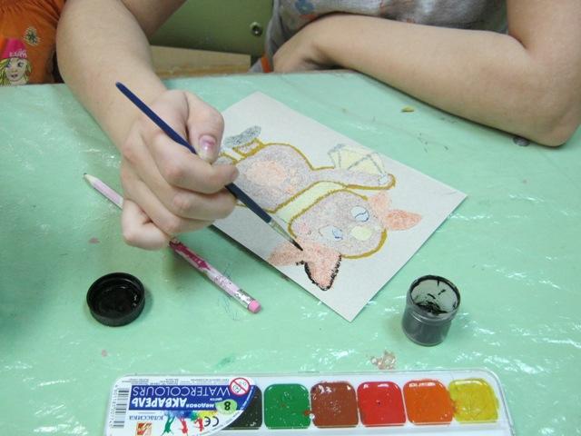 Рисование манкой развивает мелкую моторику рук