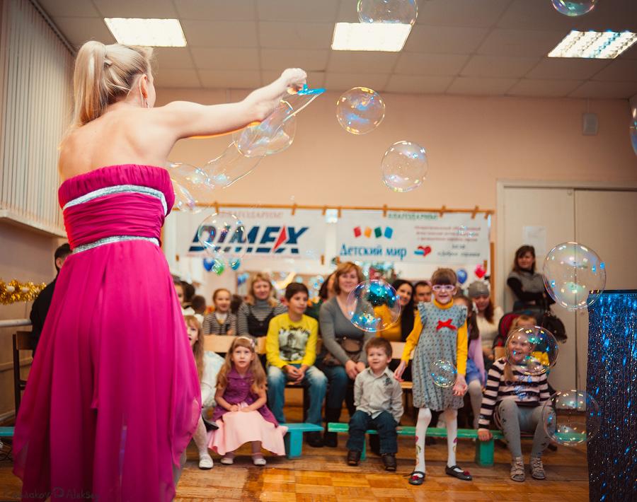 Ксения Ризаева подарила своё чудесное представление «Шоу мыльных пузырей»
